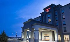 Hampton Inn by Hilton Lloydmininster