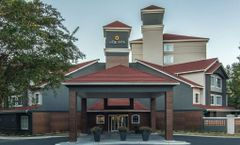 La Quinta Inn & Suites Atlanta Perimeter