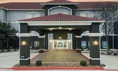 La Quinta Inn & Suites The Dominion