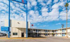 Motel 6 Blythe - South