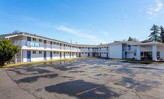Motel 6 Pendleton West