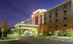 Hampton Inn & Suites Glenarden
