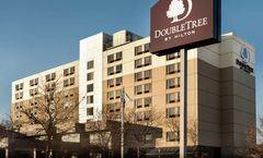 DoubleTree by Hilton St Paul East