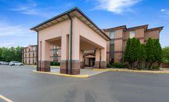 Quality Inn & Suites, Sellersburg