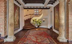 Four Seasons Casa Medina