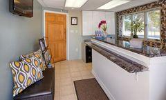 Daytona Inn & Suites