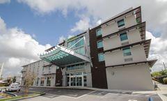 Holiday Inn Express & Stes Miami Airport