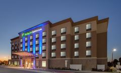 Holiday Inn Express & Suites Orleans SW