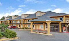 Red Carpet Inn & Suites Newnan