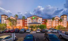 Holiday Inn Express/Suites Phoenix Arpt