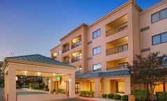Courtyard by Marriott Airport/North Star