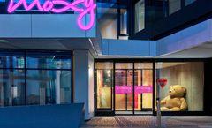 Moxy Frankfurt City Center