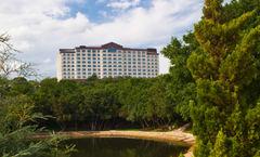 Renaissance Austin Hotel
