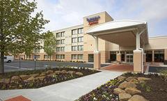 Fairfield Inn & Suites Beachwood