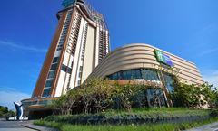 Holiday Inn Rsort Vana Nava Hua Hin