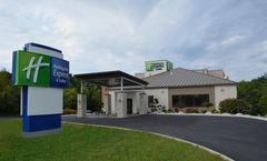 Holiday Inn Express & Suites Waterville