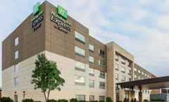 Holiday Inn Express-Suites O'Hare Arpt