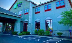 Holiday Inn Express & Stes Olathe North