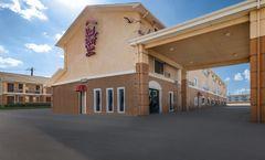 Red Roof Inn & Suites Denton