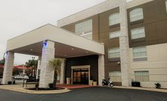 Holiday Inn Express & Suites Two Notches