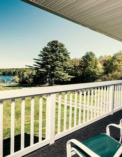 Crescent Lake Inn & Suites