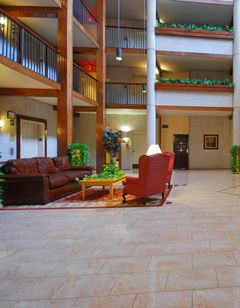 Quality Inn & Suites Downtown North