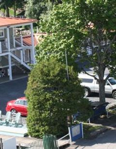 Lake Front Motel