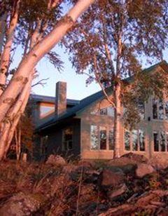 White Water Inn & Waterfront Lodge