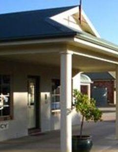 Country Gardens Motor Inn
