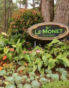 Le Monet Hotel