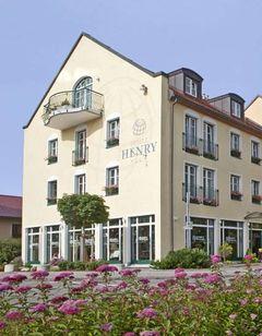 Hotel Henry