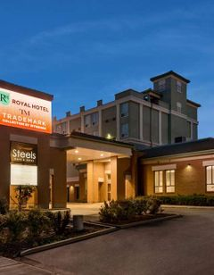 Royal Hotel Regina Trademark Collection