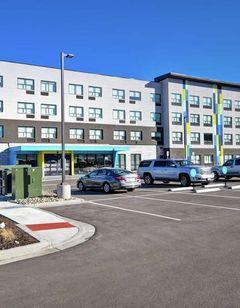 Tru by Hilton Denver South Park Meadows