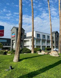 SureStay Plus Hotel by BW Scottsdale N