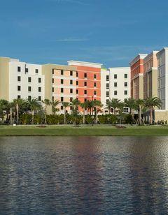 Hampton Inn & Suites Cruise Port