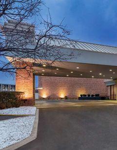 Clarion Hotel Milwaukee Airport