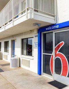 Motel 6 Redding Central