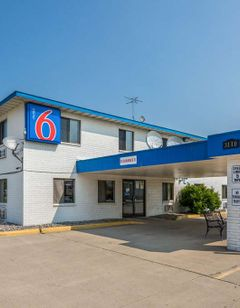 Motel 6 Fargo-South