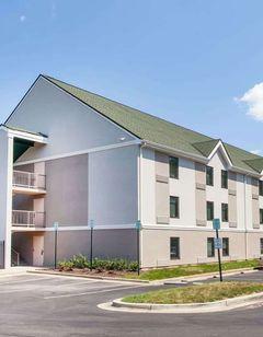 Days Inn Lanham Washington D.C