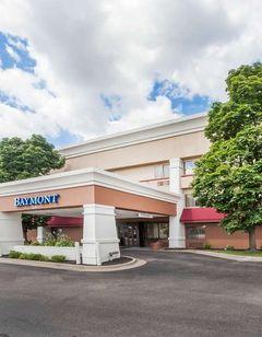 Baymont Inn & Suites Grand Rapids Arpt