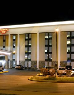 Hampton Inn Charleston Civic Center