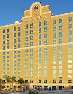 DoubleTree by Hilton Hotel Modesto