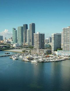 Doubletree by Hilton Grand Biscayne Bay