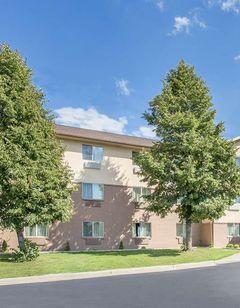 Baymont Inn & Suites Holland