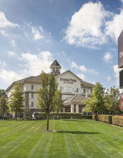 DoubleTree by Hilton Hotel Nanuet