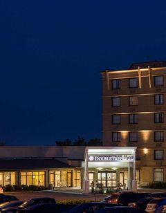 DoubleTree by Hilton Hotel Laurel