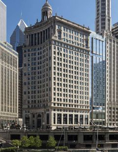 LondonHouse Chicago, Curio Coll.
