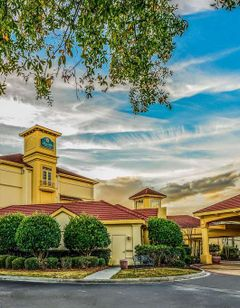 La Quinta Inn & Suites Broadway Area