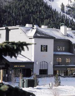 Gateway Mountain Lodge