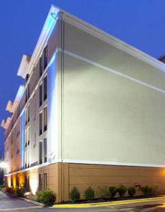 Holiday Inn Express Washington DC-BW Pkw
